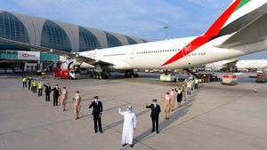 Emirates opera el primer vuelo atendido por equipos de primera línea vacunados