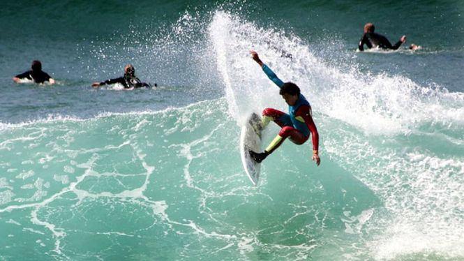 Soloimprenta renueva su acuerdo de patrocinio con la escuela de surf Prado Surf Escola