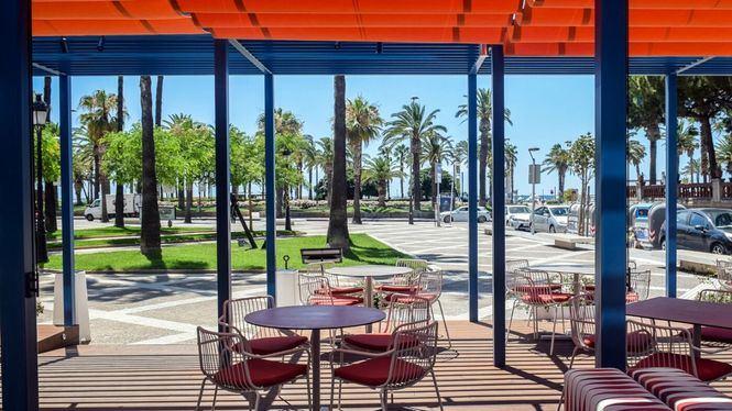 Arena Tapas Restaurant, productos de origen frente al Paseo Marítimo de Salou