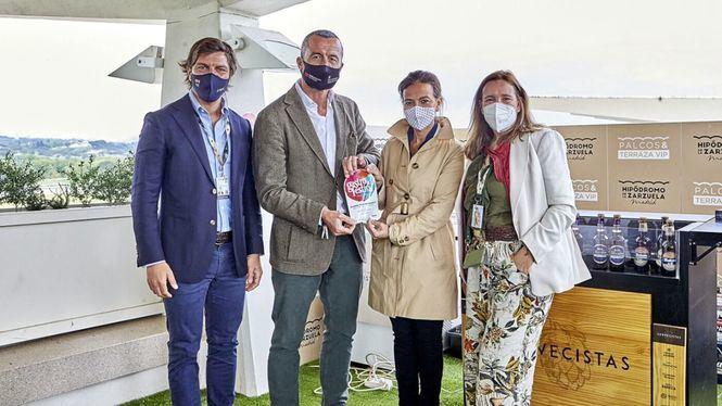 Maíllo entregó el premio de la carrera Gastrofestival del Hipódromo de Madrid