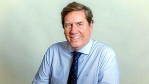 El eurodiputado critica que España lleve desde febrero sin nombrar embajador en Reino Unido