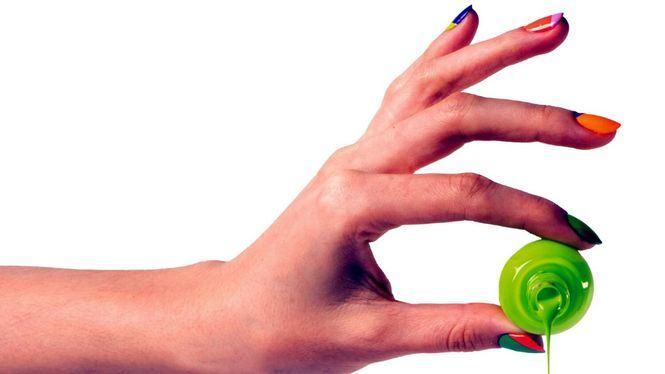 Se consolida como tendencia el efecto ombré y las uñas arcoíris bicolor