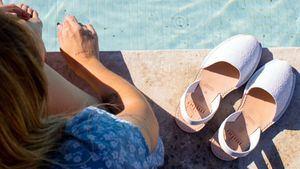 Las abarcas menorquinas, el calzado de verano con más historia