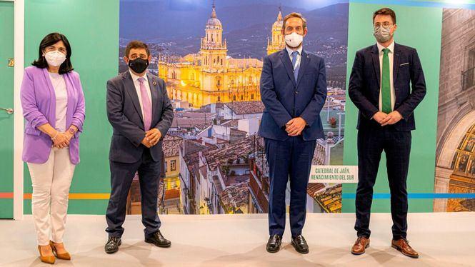 FITUR: El secretario de Estado de Turismo visita el estand de la provincia de Jaén