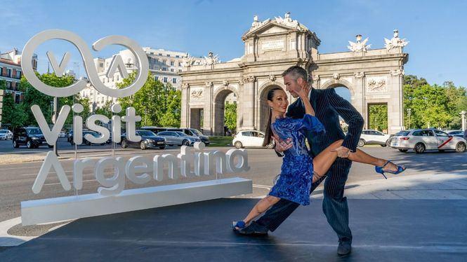 En el marco de FITUR Argentina conquistó las calles de Madrid con el tango