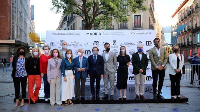 Madrid inaugura el tótem efímero Gracias Madrid para reconocer el papel de la hostelería