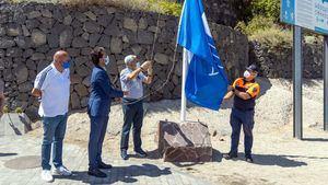La Playa del Duque ha vuelto a recibir una bandera azul