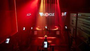 Iniciativa Ride with Pride del centro deportivo Trucycle en Madrid