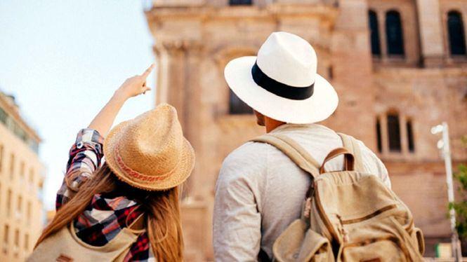 El pasaporte verde servirá para recuperar parcialmente la afluencia de turistas