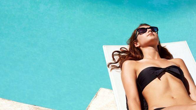 Hábitos saludables para estar y sentirnos menos hinchados en verano