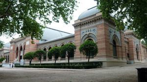 Palacio de Velázquez del Parque del Retiro: Vivian Suter