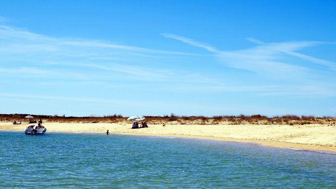 Un paraíso sin gente; las tranquilas playas del Algarve