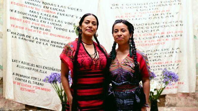 Sara Curruchich presenta Pueblos junto a Lila Downs