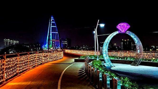 Puente del amor en la ciudad de Nuevo Taipei