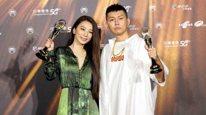 El rapero Soft Lipa fue el principal ganador de la 32ª edición de los Premios Melodía Dorada