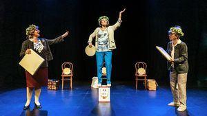 Chévere estrena la comedia As Fillas Bravas en Teatro del Barrio