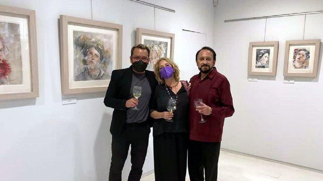 La artista Julia Barreiro realiza un viaje retorno a la pared