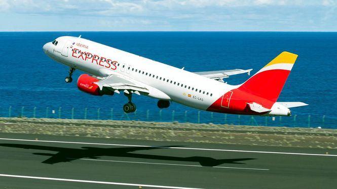 Iberia Express la aerolínea low cost europea más puntual en los meses de julio y agosto