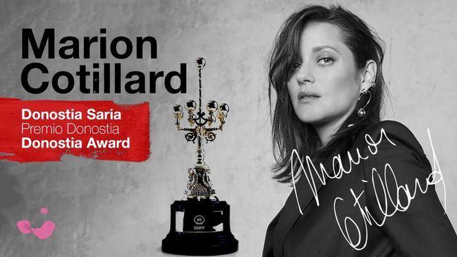 El premio a Marion Cotillard y los abrazos protagonizan la ceremonia inaugural del Festival