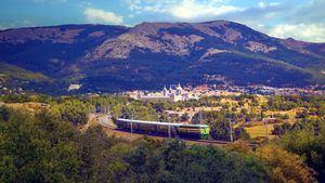 El tren turístico de Felipe II vuelve a ponerse en marcha