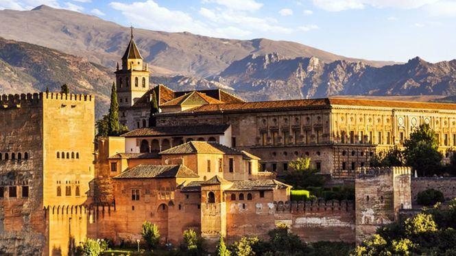 Barcelona, Tenerife, Granada y Sevilla los destinos con más turistas en busca de cultura este verano