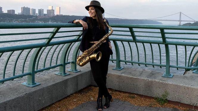 La saxofonista chilena Melissa Aldana, en la Clamores