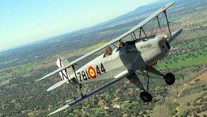 Exhibición en vuelo de aviones históricos en Cuatro Vientos