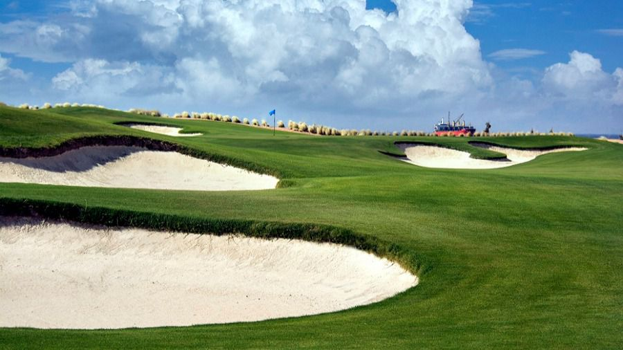 Ayla el primer campo de golf en el Mar Rojo