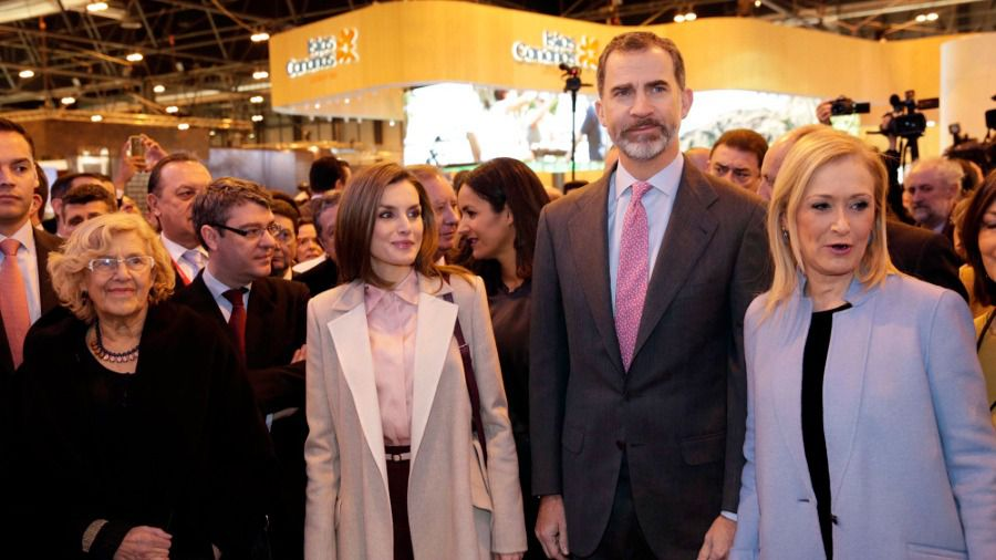 La alcaldesa de Madrid acompaña a los Reyes en la inauguración de la edición 37 de FITUR