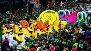 San Patricio vuelve a inundar de verde las calles de Irlanda