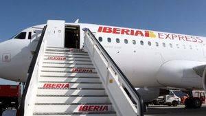 Iberia Express conmemora el Día Mundial de la Poesía a 33.000 pies de altura
