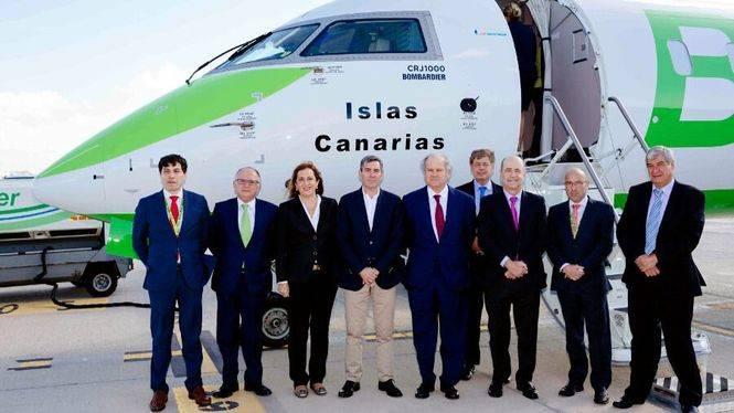 Binter bautiza un nuevo avión con el nombre de Islas Canarias