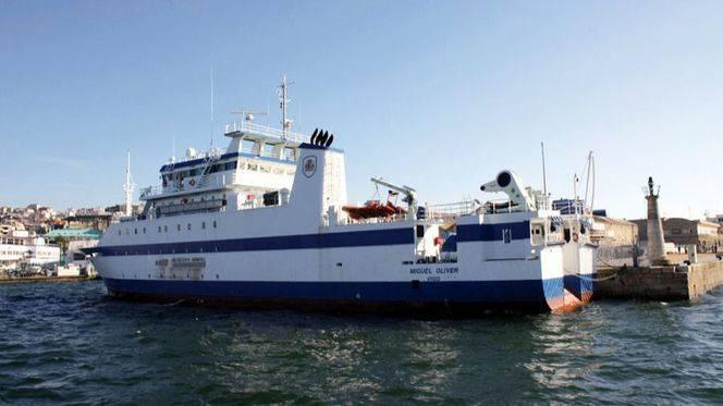 El buque oceanográfico Miguel Oliver inicia una evaluación pesquera en el Mediterráneo