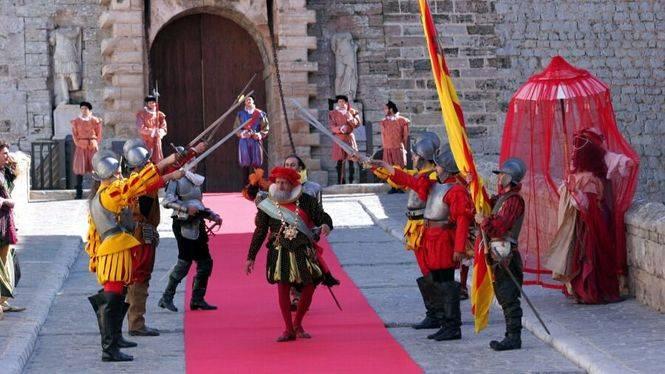 Ibiza viaja en el tiempo y se transforma en villa medieval