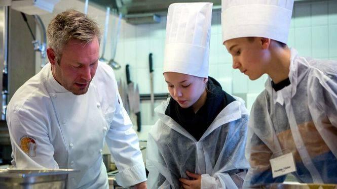 Finnair estrena nuevos menús a bordo para celebrara el centenario de Finlandia