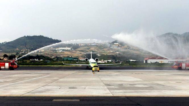 Binter bautiza un nuevo avión con el nombre 'Macaronesia'