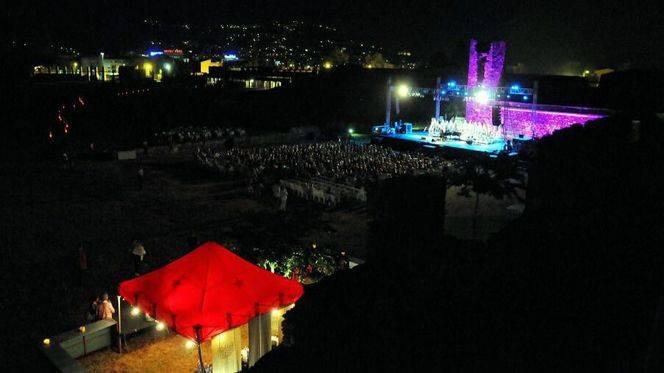 Roses anima el verano con la música y las catas de su festival 'Sons del Món'