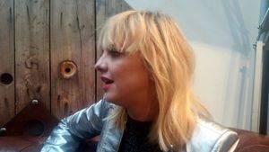 """Laura Hayden: """"Si no compusiese canciones estaría en un sitio muy oscuro en mi vida"""""""