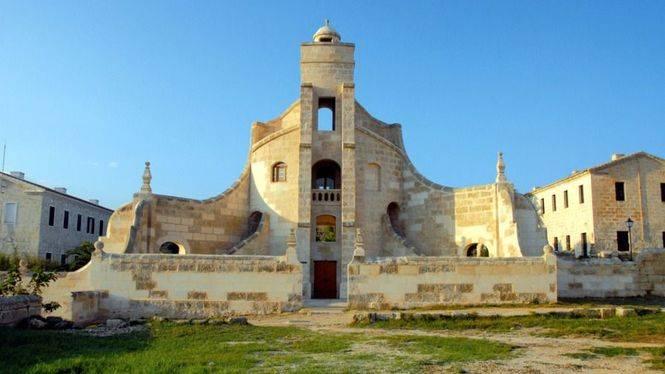 Visitas guiadas al mágico islote de Lazareto, Menorca