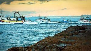 Entrada de barcos al puerto