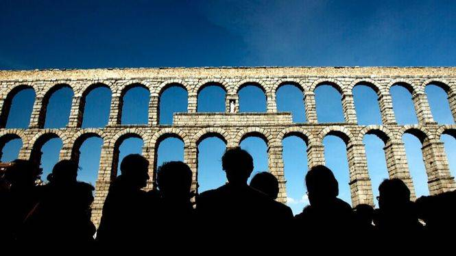 Segovia facilitará radioguías para las visitas guiadas en grupo