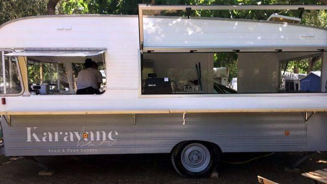 """Inaugurado el nuevo """"Karavane Bar"""" del Camping Playa Montroig"""