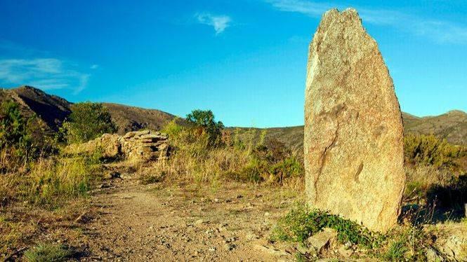 Rosas propone un regreso a la Prehistoria con su ruta megalítica