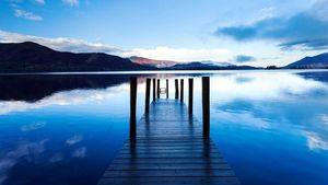 Ashness Jetty en Derwentwater, uno de los principales lagos del Lake District National Park, Cumbria