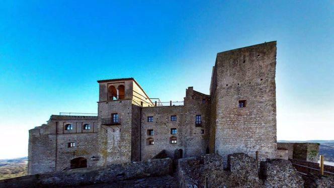 Castillos de piedra con señal wi-fi para viajar a través del tiempo