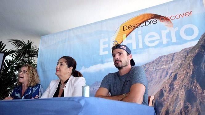 Air Academy El Hierro convierte a la isla en centro de formación para parapentistas
