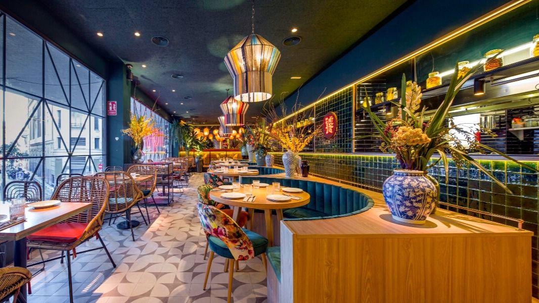 El m tico restaurante chino de la plaza de luna renueva su aspecto y su carta inout viajes - Restaurante chino jardin feliz ...