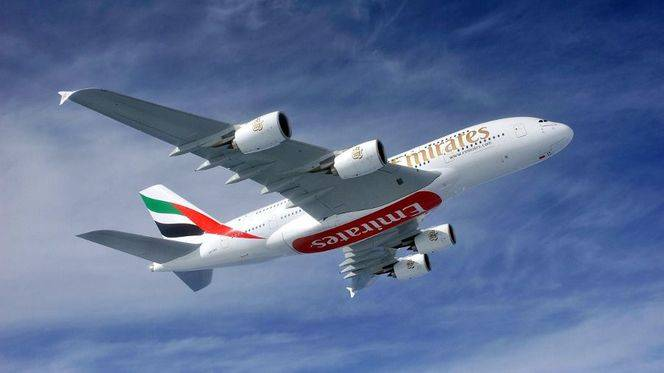 Emirates sube a bordo del Black Friday