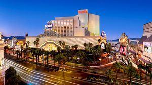 Harrah's Las Vegas. Exterior