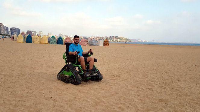 Servicio de alquiler de las sillas de ruedas todoterreno en Gijón